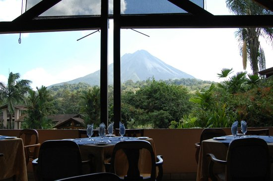 Arenal Paraiso Hotel Resort & Spa:                   View from the Restaurant