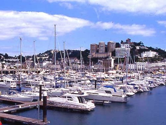 Benbows Guest House: Torquay Marina, local attraction