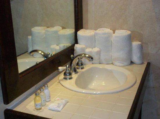 Hosteria Del Mar:                   Bathroom