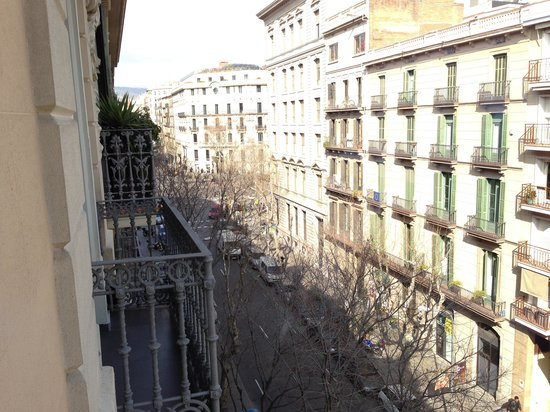 Hotel Constanza Barcelona:                   View form 4th floor balcony!