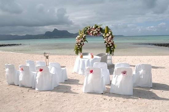 Preskil Beach Resort:                                                       Our Beach wedding