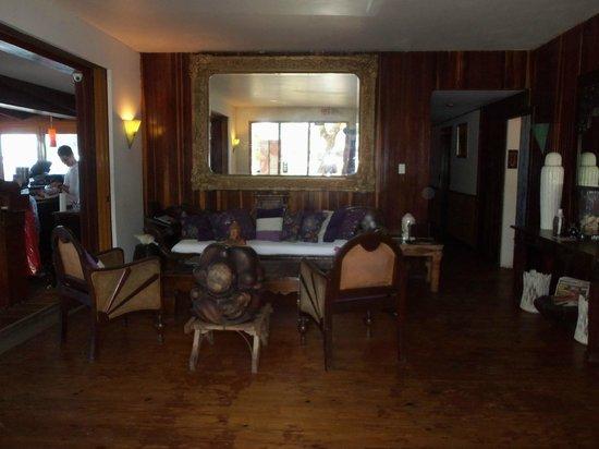 Hosteria Del Mar:                   Lobby