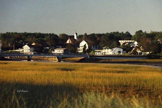Above Tide Inn Photo