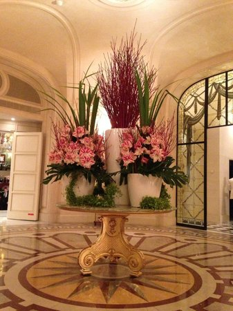 Shangri-La Hotel Paris:                   Entrance Flowers