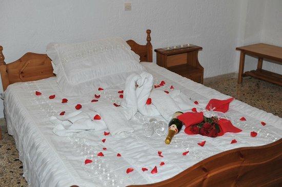 Santa Irini Hotel : Honeymoon Room