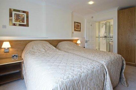 Kidwelly Bed & Breakfast: Bedroom 2 - Twin room