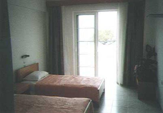 Pylea Beach Hotel Photo