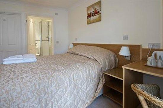 Kidwelly Bed & Breakfast: Bedroom 1