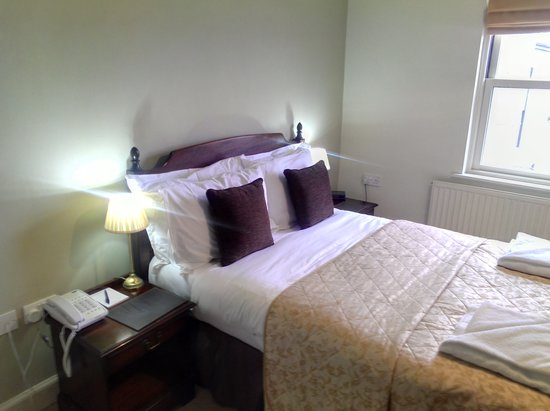 The King's Head Hotel: standard double room