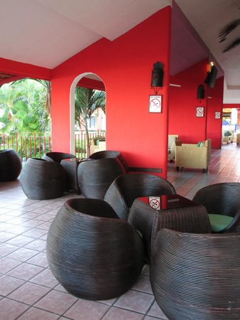 Royal Decameron Complex:                   Sports Lounge