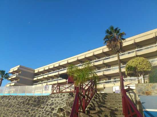 Aguamarina Golf Hotel:                   from the street