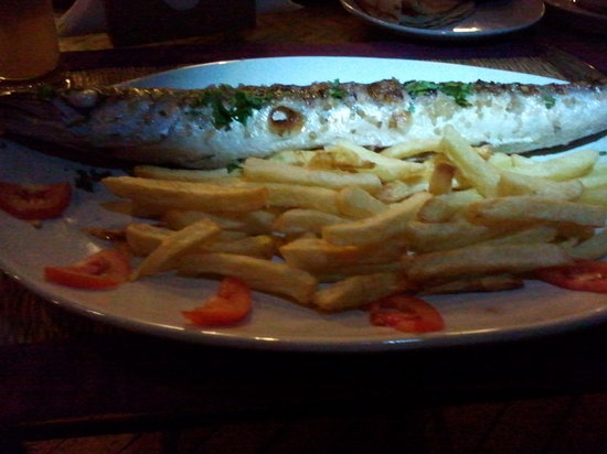 Chilliout Cafe Cherai beach :                   Barracuda with french fries