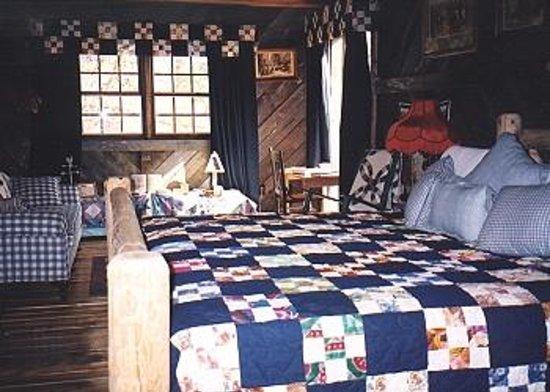 Tompkinsville Inn Image
