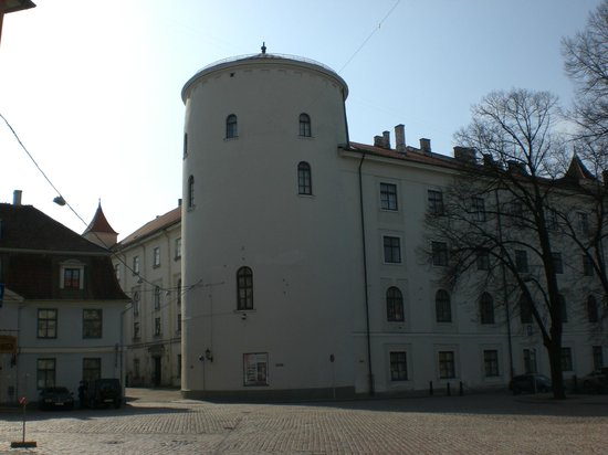 National History Museum of Latvia:                   Schloss Riga