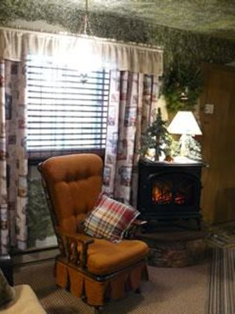 Willowood Inn: The Shack In The Woods room
