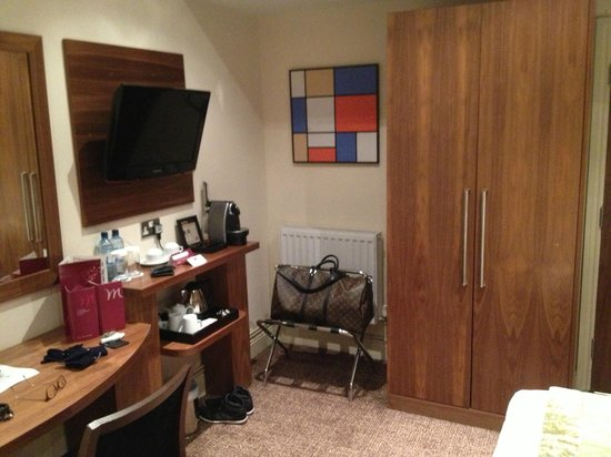 Mercure London Bloomsbury:                   Room