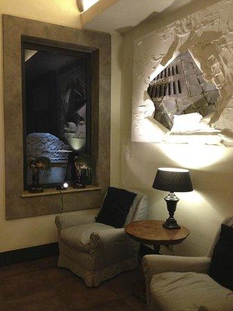 Hotel Adriano :                   petit salon