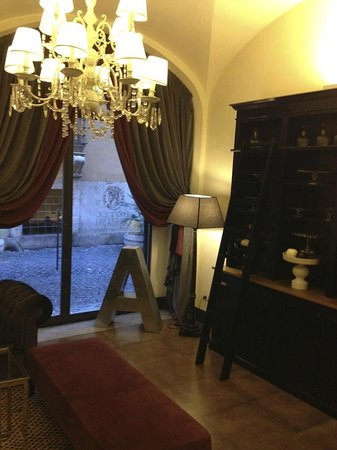Hotel Adriano:                   petit salon cosy