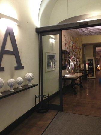 Hotel Adriano:                   sas d'entrée