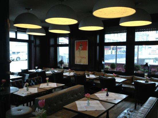 Boutique Hotel Helvetia :                                     restaurant