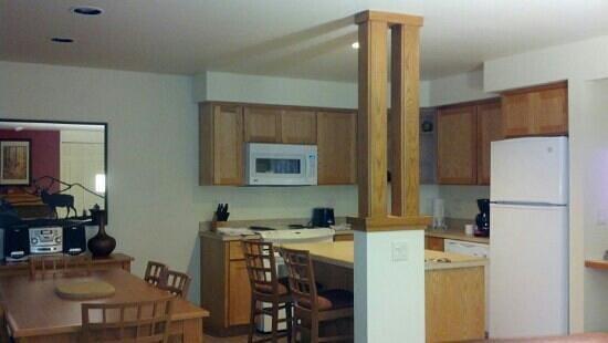 Worldmark Eagle Crest:                   kitchen/dining room two bedroom