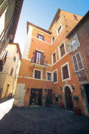 Photo of Hotel Teatro Pace Rome