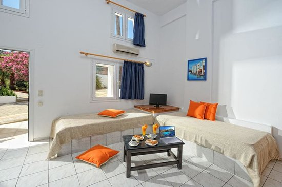 Filia Hotel Apartments Photo
