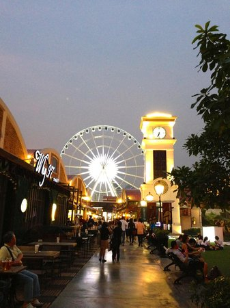 Food Court Picture Of Asiatique The Riverfront Bangkok