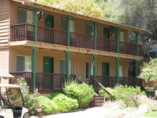 Buckeye Tree Lodge: Rooms 9 - 11