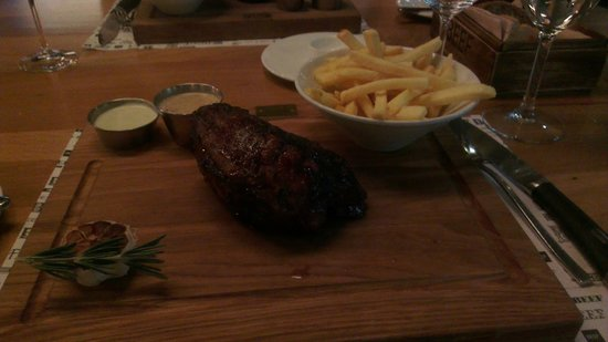 BEEF meat & wine:                   Tenderloin 450 g.