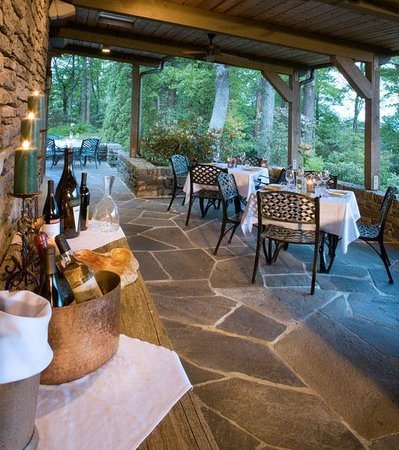 The Restaurant at Gideon Ridge : Elegant Dining on the Covered Terrace