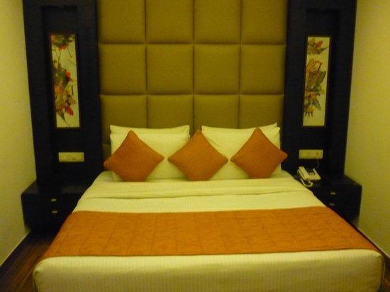 JHT Hotel:                   Cama matrimonio