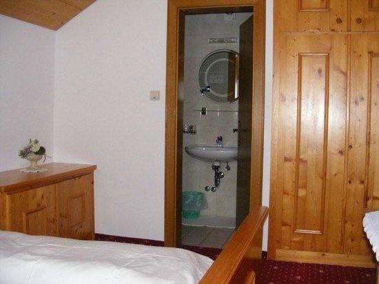 Gasthof Alpenrose:                   En suite facilities.