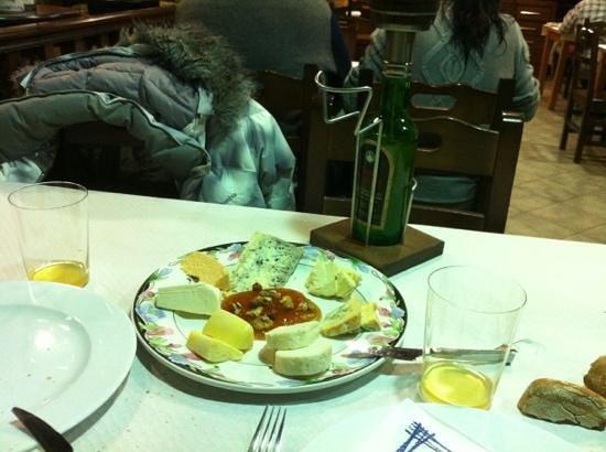 Tabla de quesos fotograf a de restaurante la roca for Restaurante la roca