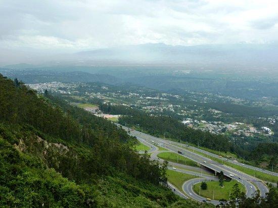 Parque Metropolitano:                   Tiefblick in das Tal
