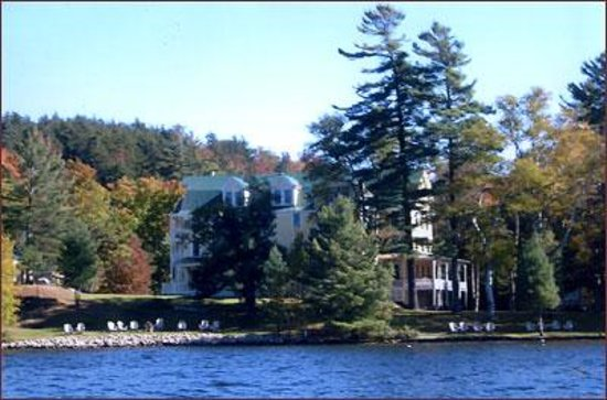The Woods Inn: Lakeview