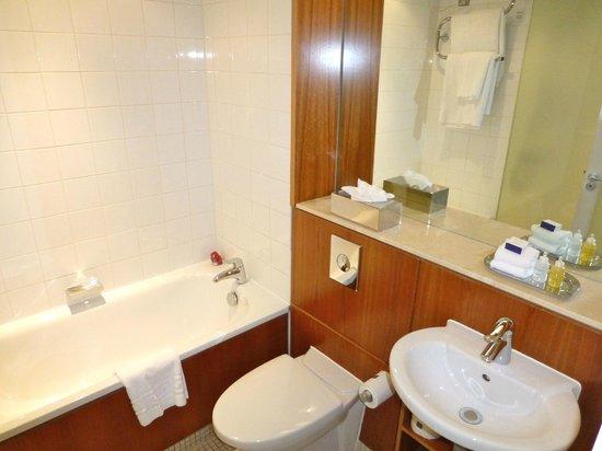 เอเพ็กซ์ซิตี้:                   Very good bathroom.