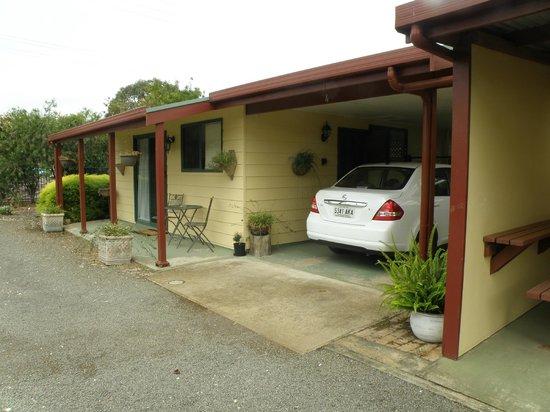 فيكيفوليا لودج:                   outside cottage number 4                 