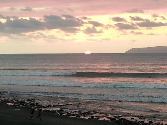 Agua Vida Surf:                   Sunset at Cocal Amarillo