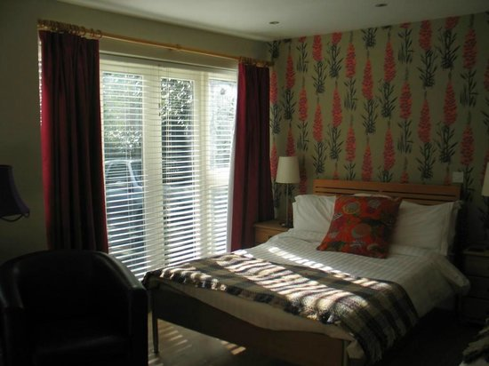 The Old Rectory on the Lake:                   Rectory Retreat room