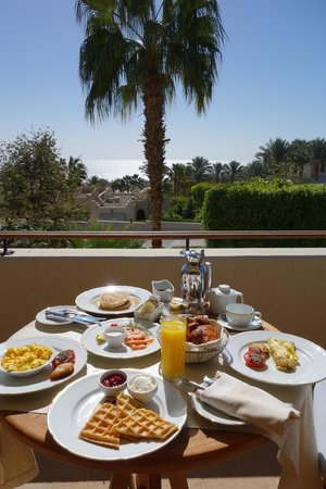 Four Seasons Resort Sharm El Sheikh:                   Breakfast in suite 711