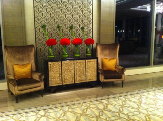 The Fullerton Bay Hotel Singapore:                   great sitting corner