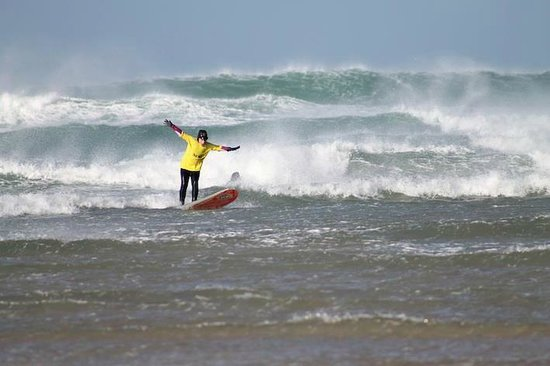 The Surf Club Cornwall: Winter surfing!