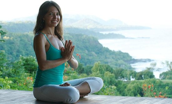 Anamaya Resort & Retreat Center: Yoga Teacher on the deck