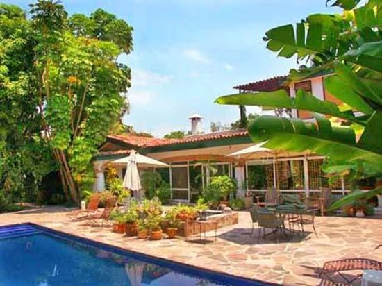 Los Artistas B & B: Pool Area