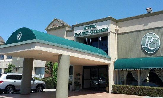 Hotel Pacific Garden: Entrace