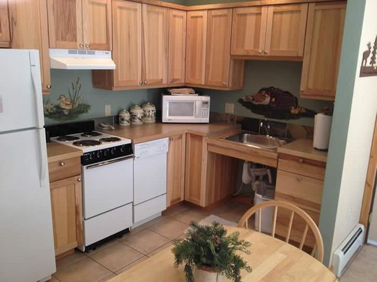 "River Stone Resort and Bear Paw Suites: ""Accessible"" Kitchen BP 3"