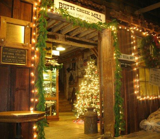 Butte Creek Mill:                   Christmas