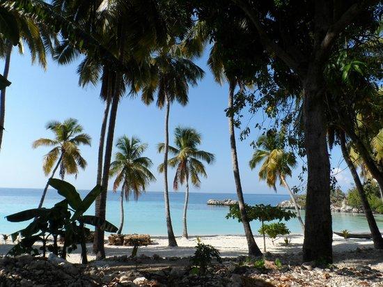 Kokoye Beach:                   Arriving at the beach