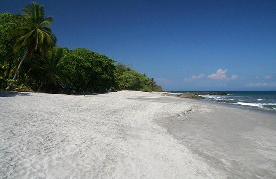 Anamaya Resort & Retreat Center: Montezuma Beach nearby